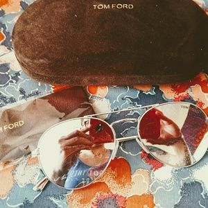 Tom Ford sunnies Nwot